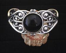 Sterling Silver Cuff Filigree Bracelet with 19.5 Carat Black Onyx Gemstone
