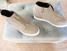 Vandimi Wedge Sneaker perforated texture not see thru gray 9.5 brand new