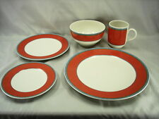 VILLEROY AND BOCH TIPO VIVA RED / ORANGE 5 PIECE PLACE SETTINGS - MINT CONDITION