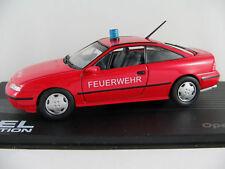 """IXO #87 Opel Calibra (1990) """"FEUERWEHR / NOTARZT Aachen"""" 1:43 NEU/PC-Vitrine"""