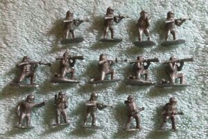 lot of 14 Giant Hong Kong made 1:72 scale silver astronaut spacemen figures