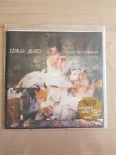 "Norah Jones ""Chasing Pirates Remix EP"" Vinyle COMME NEUF ! (avec stickers)"