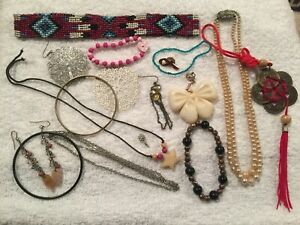 JOB LOT MAINLY VINTAGE ANTIQUE COSTUME JEWELLERY GOOD FOR SPARES AND REPAIRS #03