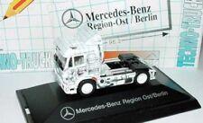 1:87 Mercedes-Benz SK Zugmaschine Camion de Techno MB Région Est Berlin - herpa