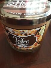 BATH & BODY WORKS Holiday Tradition Toffee Crunch 3 WICK CANDLE NEW Discontinued