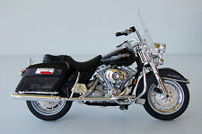 HARLEY DAVIDSON  ROAD KING  1/18th  MAISTO  MODEL  MOTORCYCLE