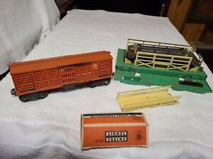 LIONEL #3656 CATTLE CAR CORRAL, COWS IN OB RAMP