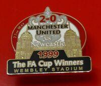 Danbury Man Utd Pin Badge Manchester United Football Club FA Cup Winners 1999