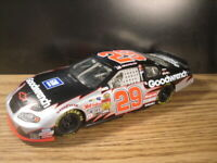 Kevin Harvick #29 Chevy Monte Carlo GM Goodwrench NASCAR 1:24 DieCast Race Car