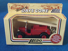 LLEDO DAYS GONE DIECAST FIGURE - LCC London FB - Dennis Fire Engine - DG12004