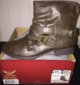 Faded Glory Womens Brown Boots Buckle Accent Sz 6.5 NEW