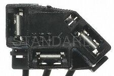 Standard Motor Products S686 Headlamp Connector