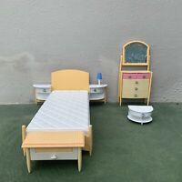 Barbie Mattel So Real So Now Bedroom (Yellow) PlaySet 1998