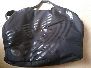 Large Reebok Gym/Workout Bag Black £5.99p no reserve
