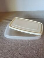 Vintage Rubbermaid Servin' Saver 4 Cup #5 Rectangle Container with Almond Lid