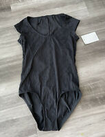 Athena Cap Sleeve Maillot Swimsuit Size 6 One-Piece Black Textured