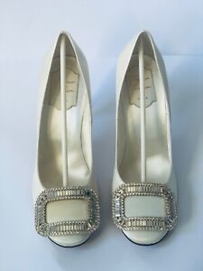Roger Vivier Flower Strass Buckle Pumps - Wedding Shoes