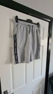 Mens tommy hilfiger shorts Size Medium