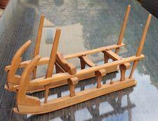 jolie traîneau schlitte pour le transport du bois dans les voges porte bouteille