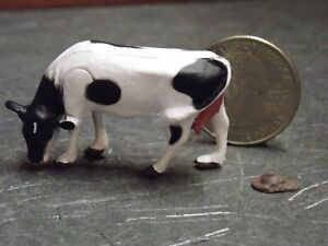Dollhouse Miniature Cow & Pile Animals A12 1:48 Quarter Scale Dollys Gallery