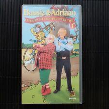BASSIE & ADRIAAN - LIEDJES UIT GROOTMOEDERS TIJD - DEEL 1 + 2 - VHS - DUBBELBOX