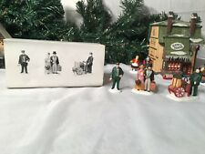 NEW DEPARTMENT 56 HERITAGE VILLAGE  SERIES HOLIDAY TRAVELERS #5571-9
