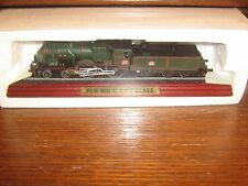 STATIC DIE-CAST MODEL - THE PLM BIG C 4-4-0 CLASS STEAM TRAIN ON A PLINTH FRANCE
