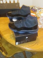 Dead stock Retro 11 air jordan  cap n gown size 11
