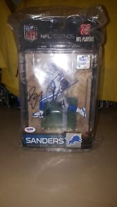MCFARLANES SPORTS SIGNED NFL LEGENDS BARRY SANDERS INCLUDES CERTIFICATE