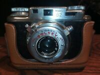 Vintage Bolsey Model B2 35mm Camera