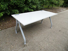 Grey/Silver 1600mm x 800mm Straight Office Desk Clean Condition 4 in STK R4534
