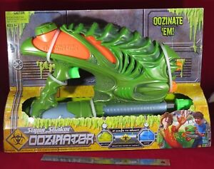 Hasbro NEW Unopened SUPER SOAKER Oozinator Vintage 'Bio-Ooze' and Water Gun 2004