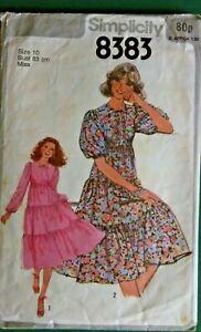 Vintage  SIMPLICITY 8076 - Ladies Tiered Dress pattern - Size 10