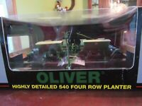 SPECCAST 1/16 SCALE OLIVER 540 FOUR ROW PLANTER - NIB - NEVER DISPLAYED