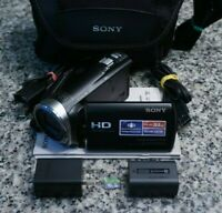 Sony HDR-CX330 Full HD 1080p 9.2MP Handycam 30x Camcorder W/ Extras Tested FR/SH