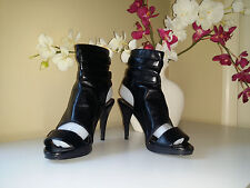APOSTROPHE Samira Black Very Soft faux Leather Strapped High Heel Shoes Sz. 7,5