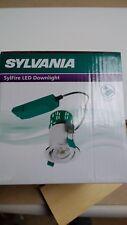 Downlight LED clasificado de fuego Sylvania 10 W Gu10 Regulable inclinación de acero pulido fresco