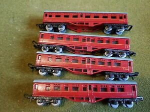 Lone Star Treble O Lectric Red Coaches M 16001 X 4