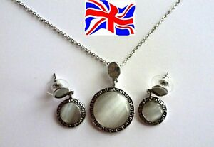 Necklace & Earring Opal Pendant Silver Ancient Style Circular Jewellery Set Gift