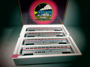 MTH Amtrak 4 Car SCALE Superliner passenger Set 20-6524 O.B. C-8. 3 STRIPE .