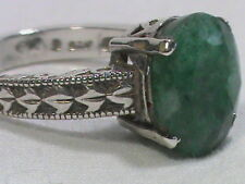Very Pretty 925 Sterling Ring with Green Stone