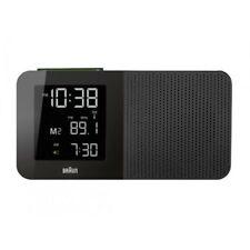 Réveils et radios-réveils noirs numériques en voyage pour la maison