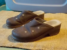 Predictions Brown Clogs Mules Slp On Slides Womens Comfy Shoes Embroidered 8