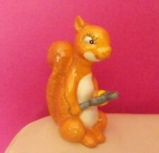 BESWICK SQUIRREL CRACKING NUT MODEL NUMBER 1009 - EXCELLENT CONDITION !!