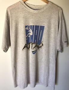 Mens XL Vintage Reebok/Shaq Attaq Tshirt
