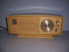 Vintage Sears Solid State Silvertone Model 2025 Transistor Radio