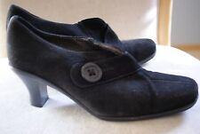 La Canadienne Suede Waterproof Shoes (Size 42)
