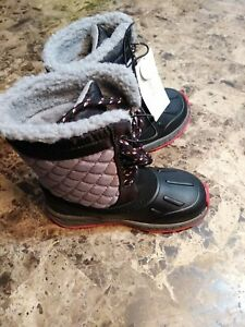 Carters snow boots Toddler Boys Size 10