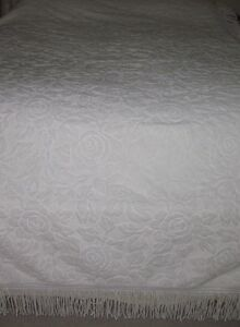 Beautiful Luxury White Chenille Twin Size Bedspread Made In Portugal