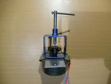 Universal Turntable Pulley Remover for Rega and other turntable makes.